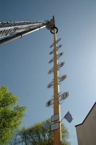 maibaumaufstellen 2012-107